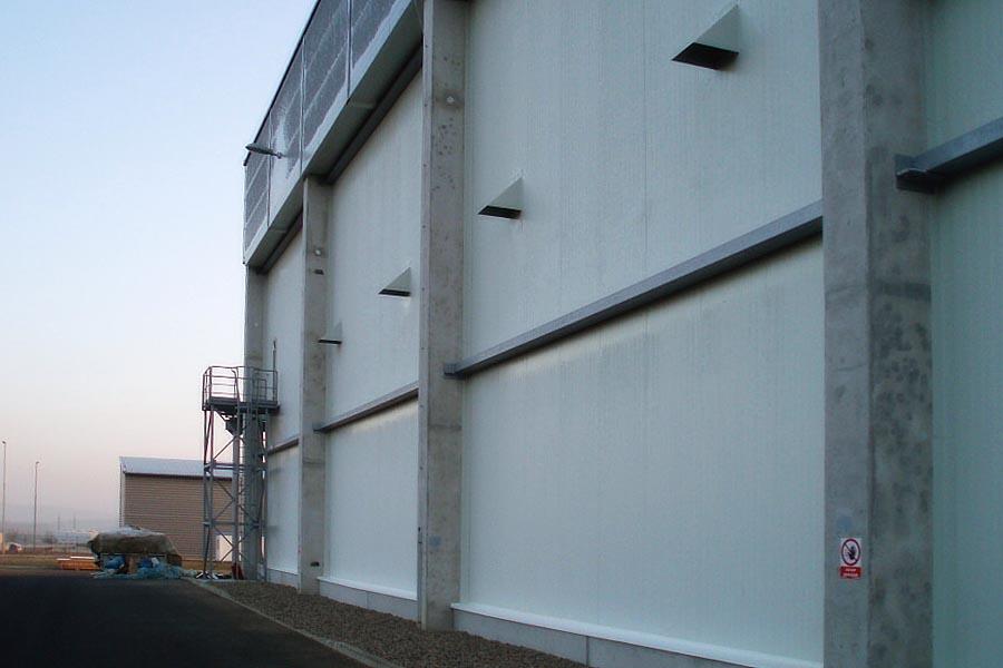 Stavba a montáž haly pro mrazící boxy Tivali Krupka